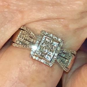 Jewelry - 10k White gold and diamonds ring, size 7
